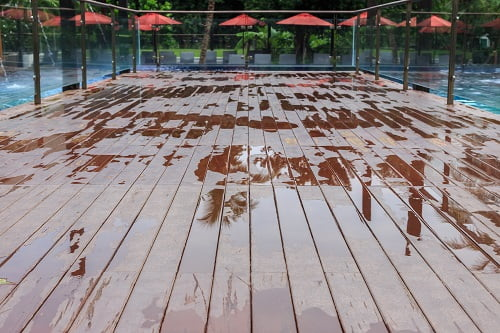 Timber Decking: Just in Time for Summer